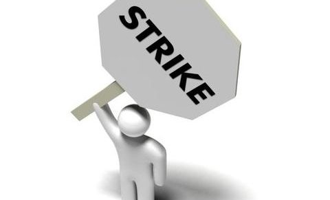MKKSZ: 7500 köztisztviselő sztrájkol országszerte