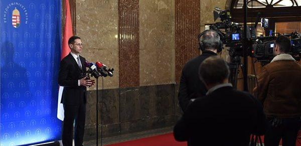 Varga: még három napjuk van a munkaadóknak és munkavállalóknak a minimálbérmegállapodásra