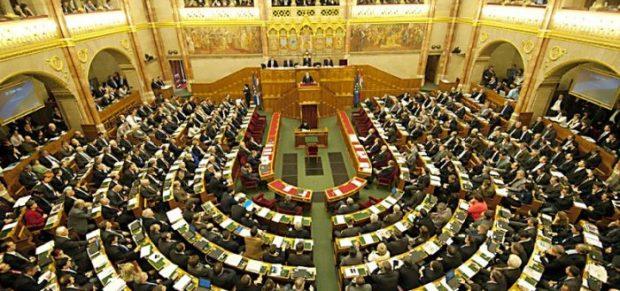 Nagy vita volt az adótörvények módosításáról a parlamentben