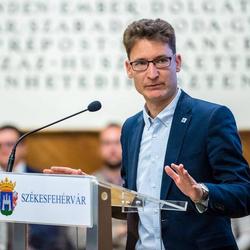 Székesfehérvár polgármestere: óriási károkat okozna a hipa felfüggesztése