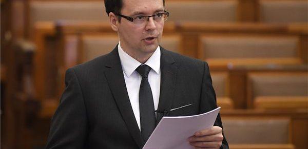 Izer Norbert: az EU két ügyben is elfogadta a kormány adóügyi érveit