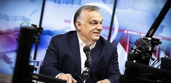 Béremelést ígér a közszférában dolgozók egy részének Orbán Viktor